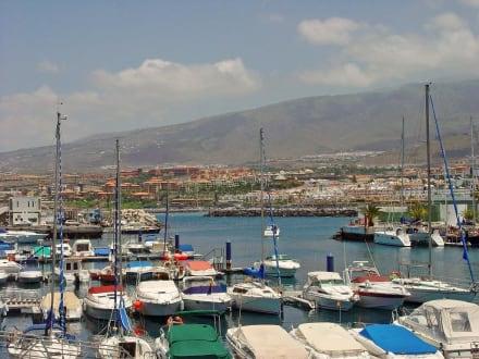 Panorama Puerto Colon und Playa de Fanabe - Yachthafen Puerto Colón