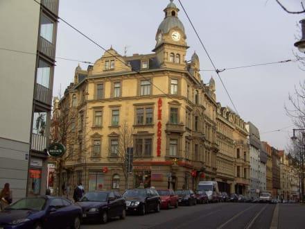 Gebäude in Einkaufsmeile - Halle