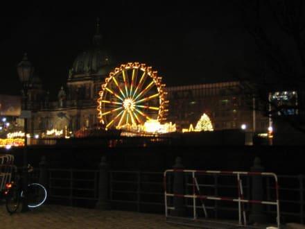 """Weihnachtsmarkt am """"Alex"""" 12/05 - Alexanderplatz"""