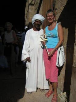 Wächter vor dem Tempel von Abu Simbel - Tempel von Abu Simbel