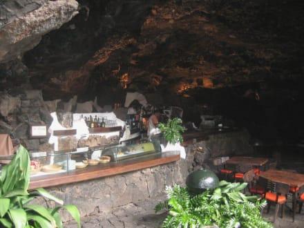 Abgang in die Höhle - Jameos del Agua Cesar Manrique