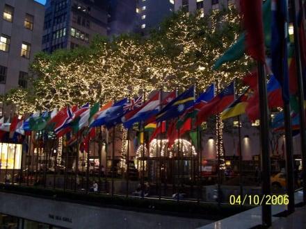 Rockefeller Plaza - Rockefeller Center