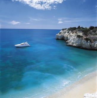 Yacht parked in Vila Vita Parc's beach -