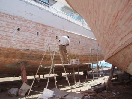 Handarbeit - Bootswerft Hurghada