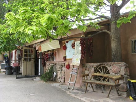 Leona's Restaurante direkt neben der Kirche - Santuario de Chimayó