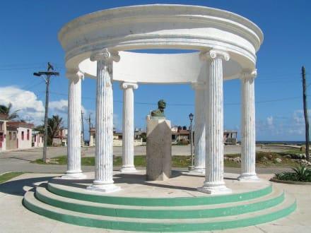 Denkmal im Hemingway Park - Fischerort Cojimar