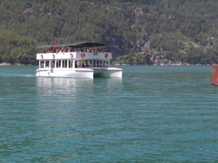 Eines der Boote - Oymapinar Baraji/ Stausee Green Lake & Green Canyon