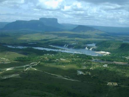 Luftaufnahme - Wasserfälle von Canaima - Salto Sapo