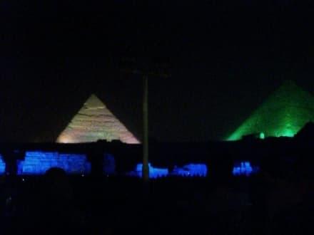 Pyramiden - Lasershow bei den Pyramiden