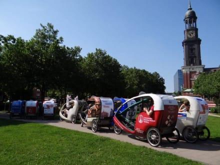 St Michaelis Gruppe - Fahrradtaxi Pedalotours