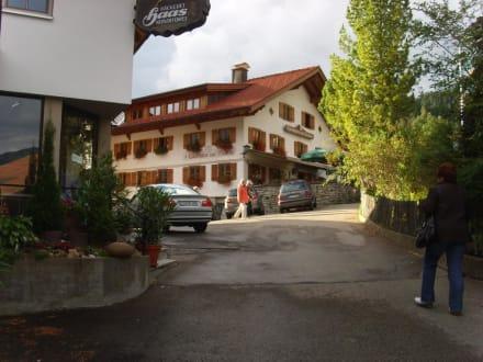 Ca. 50m vom Ferienhaus das Restaurant zur Traube - Gasthaus zur Traube