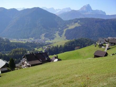 Blick ins Tal - Wandern St. Vigil in Enneberg