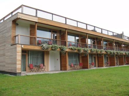zimmer in den hang gebaut bild hotel das kranzbach in. Black Bedroom Furniture Sets. Home Design Ideas