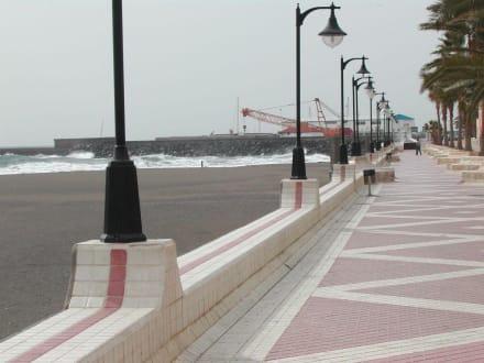 Gan Tarjal - Strandpromenade in Gran Tarajal