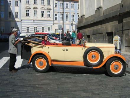 Skoda 1929 - Oldtimer Stadtrundfahrt