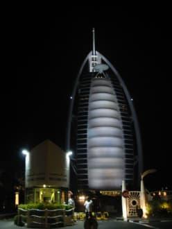 Burj al Arab bei Nacht - Burj Al Arab