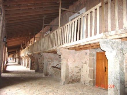 Rechter Kreuzgang des Klosters - Santuari de Lluc
