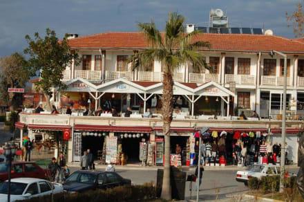 Am Hafen - Altstadt Side
