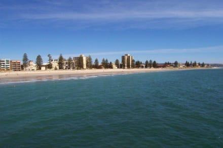 Blick von der Glenelg Jetty auf den Strand - Strand Glenelg