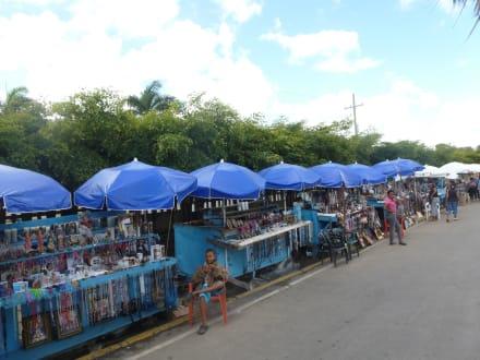 Markt/Bazar/Shop-Center - Ausflug Eco-Caribe Tour