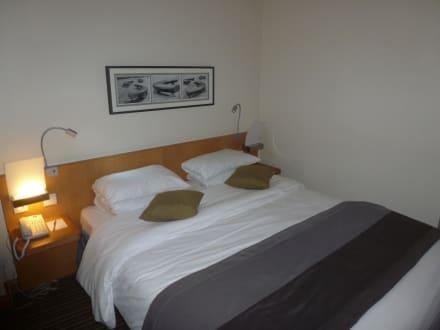 Doppelbett - Hotel Mercure la Defense 5