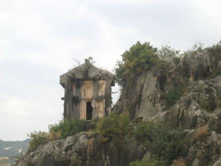 Felsengrab in Form eines Hauses - Felsengräber von Myra