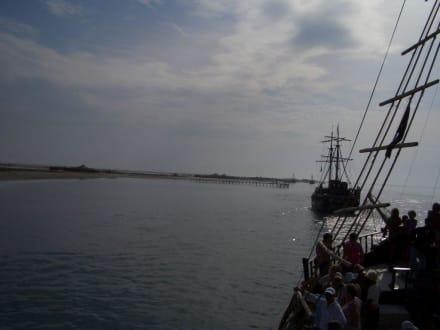 Die Insel - Piratenschifffahrt Midoun