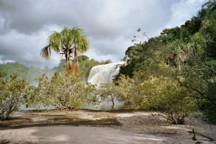 der Wasserfall zum durchgehen... - Wasserfälle von Canaima - Salto Sapo