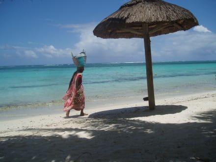 Strandverkäuferin - Strand Trou aux Biches