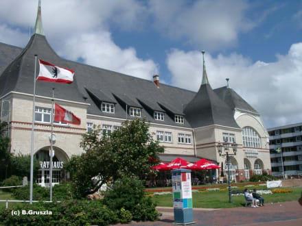 Rathaus und Spielcasino... - Casino Westerland