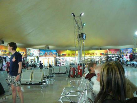 Shops am Flughafen Hurghada - Flughafen Hurghada (HRG)
