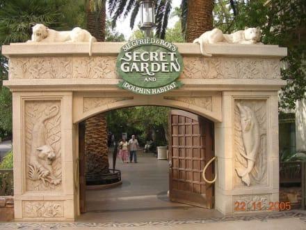 Secret Garden - Siegfried & Roys Secret Garden
