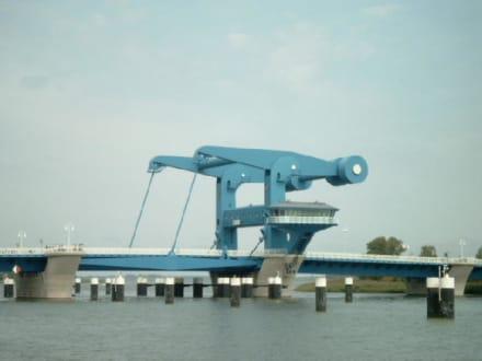 Dampferfahrt: Karlshagen - Wolgast - Karlshagen - Peenebrücke Wolgast