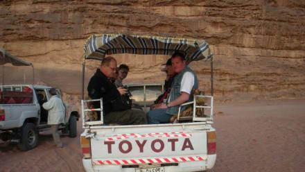 Auf dem Landrover - Jeep Safari Wadi Rum