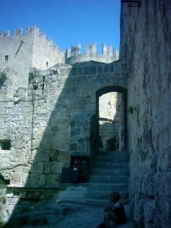 Stadtmauer in der Altstadt von Rhodos-Stadt - Stadtmauer Rhodos