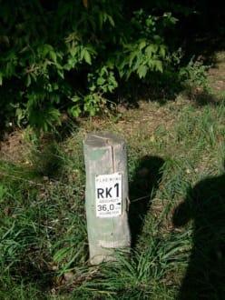 Streckenmarkierung auf dem Flämingskate - Inlineskaten