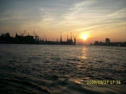 Der Hafen - Elbe
