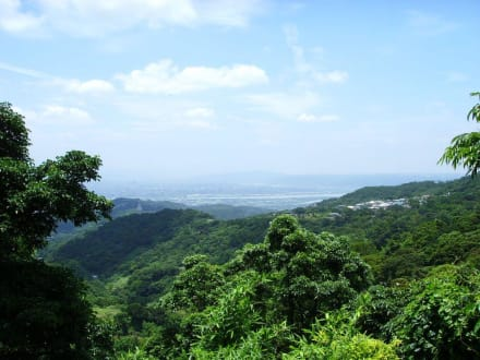 Blick auf Taipei vom Yangmingshan aus - Yangmingshan Nationalpark