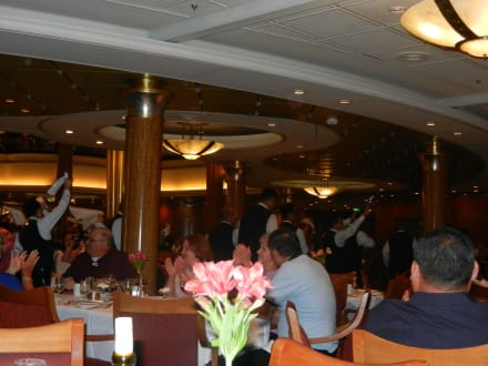 Hauptrestaurant - Explorer of the Seas