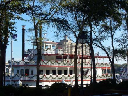 Mississippi Dampfer - Altstadt Savannah