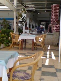 dDr ur-komische Pizzabäcker - Restaurant Kastri