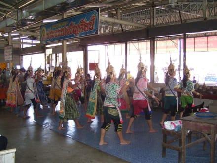 Tänzerinnen - Markt