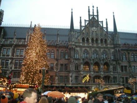 Der größte Weihnachtsmarkt am Marienplatz - Christkindlmarkt
