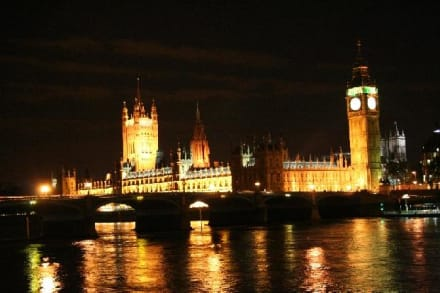 Houses of Parliament by Night - Big Ben