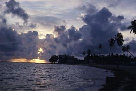 Morgendämmerung am Strand - Sonnenaufgang