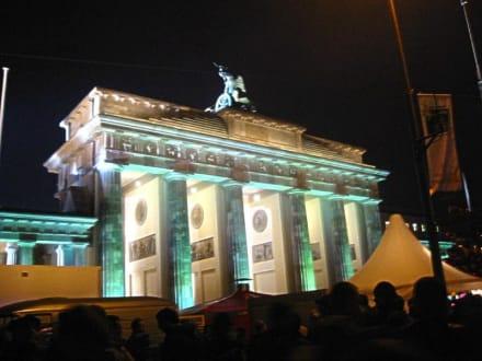 Brandenburger Tor Silvester 2003/2004 - Brandenburger Tor