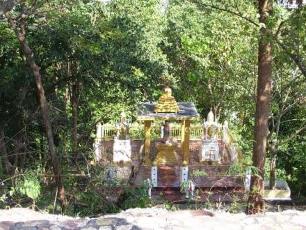 Beim Buddha - Big Buddha