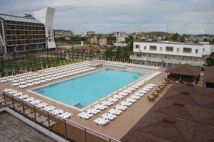 Schwimmpool bild hotel eftalia splash resort in alanya for Schwimmpool angebote