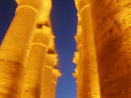 Luxor-Tempel beleuchtet - Luxor Tempel