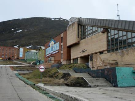Weg in die Stadt - Barentsburg